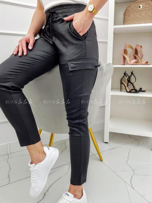 Spodnie Czarne woskowane z kieszeniami