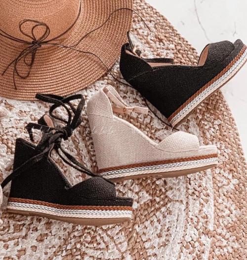 sandały czarne na koturnie