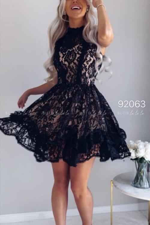 Sukienka mini koronkowa z falbaną na dole czarna Clarissa