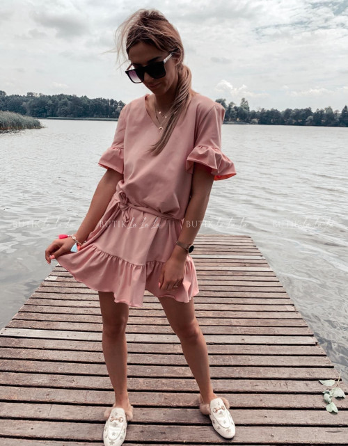 sukienka letnia mini z paskiem i falbankami pudrowa Lima