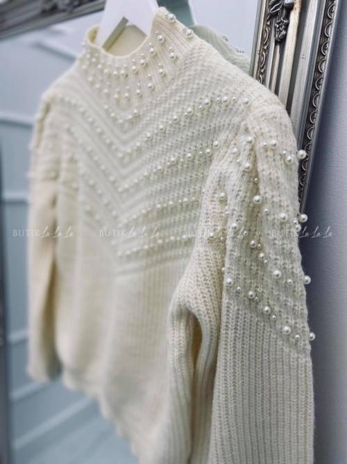 sweter z perełkami kremowy Divist