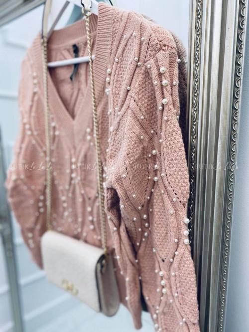 sweter w serek z perłami pudrowy Cally