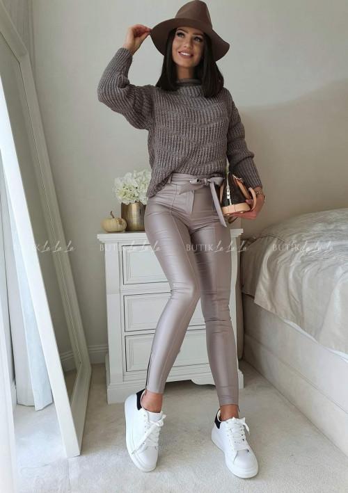 sweter czekoladowy Nina
