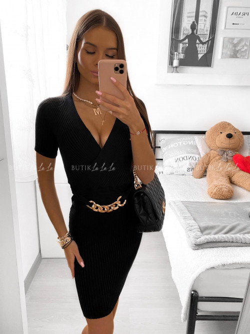 Sukienka czarna z łańcuchem Samarta