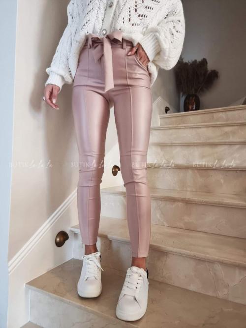 spodnie pudrowe woskowane Kallie