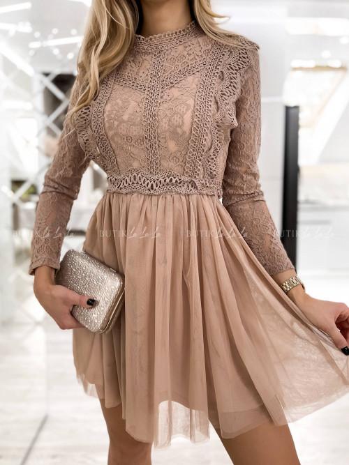 Sukienka z koronkowa pudrowa Lili McBy