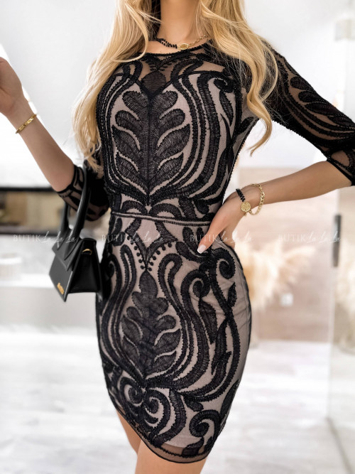 sukienka czarna haftowana z koralikami Redos 202982