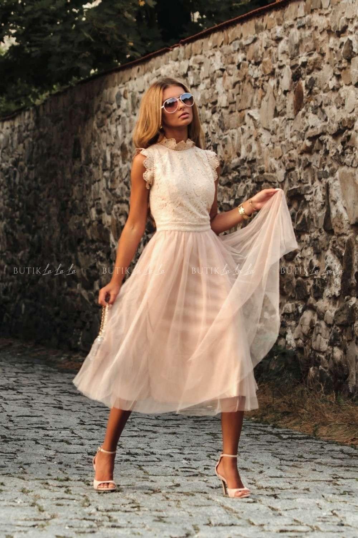 sukienki tiulowe midi na wesele
