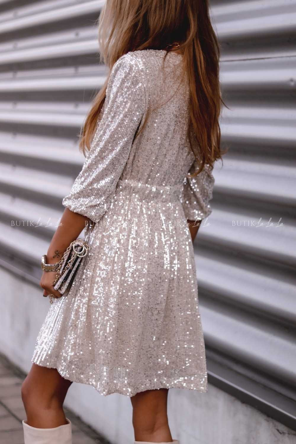 sukienka cekinowa srebrna