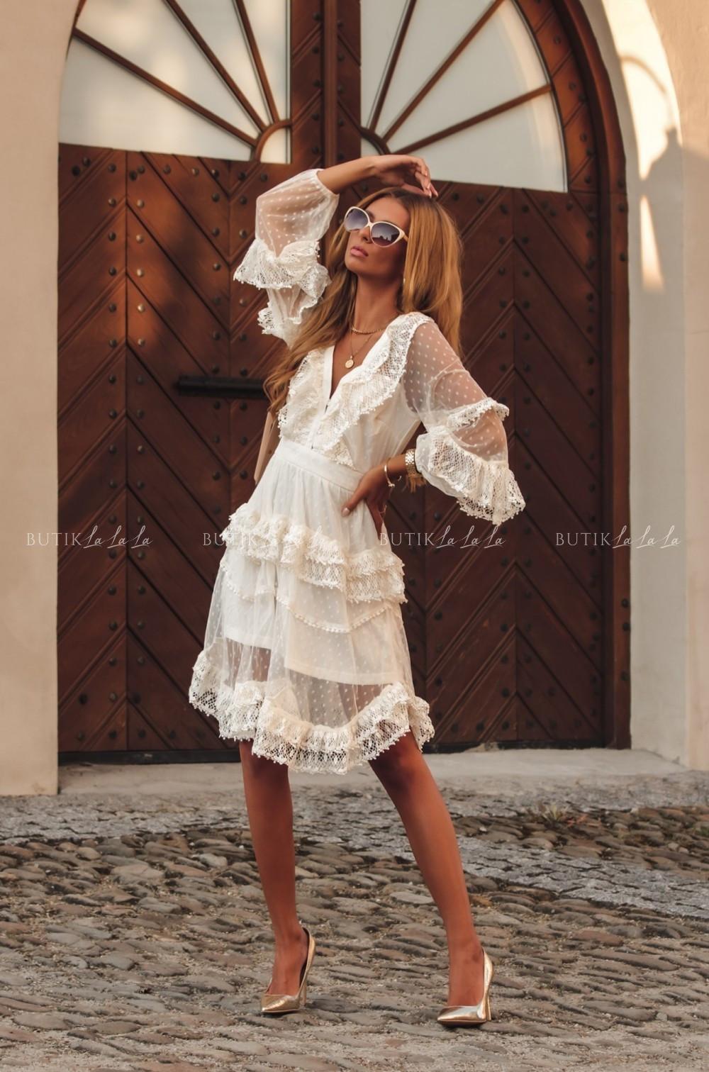 sukienka biala koronkowa