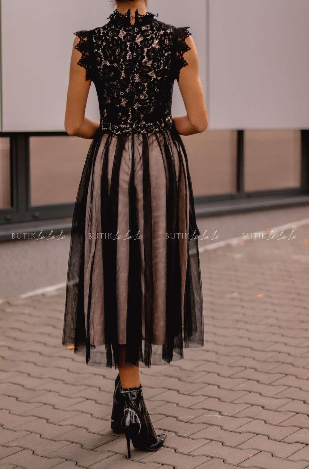 czarna sukienka midi rozkloszowana