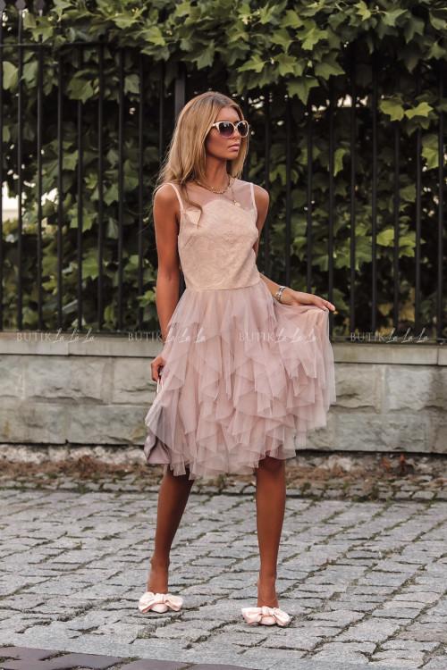 Sukienka z koronkową górą i tiulowym dołem pudrowa Alladyna 3