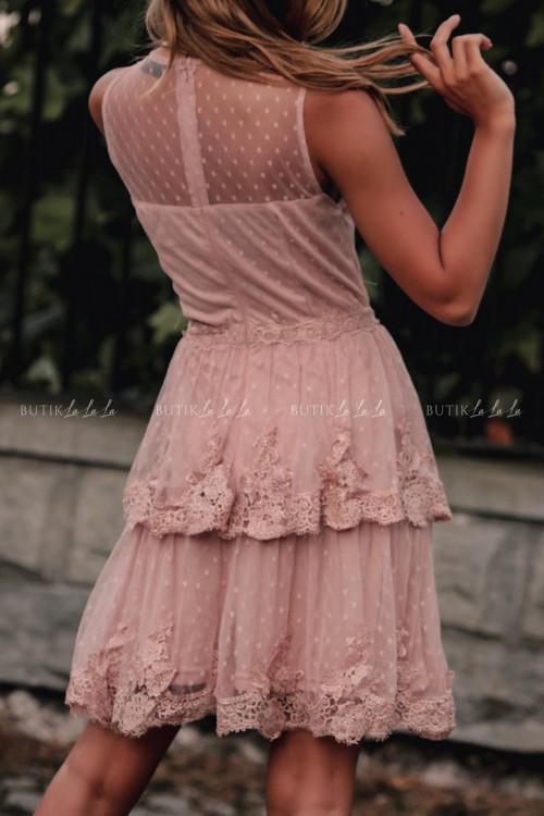 Sukienka w kropki z falbankami i koronką pudrowa Jowita 3