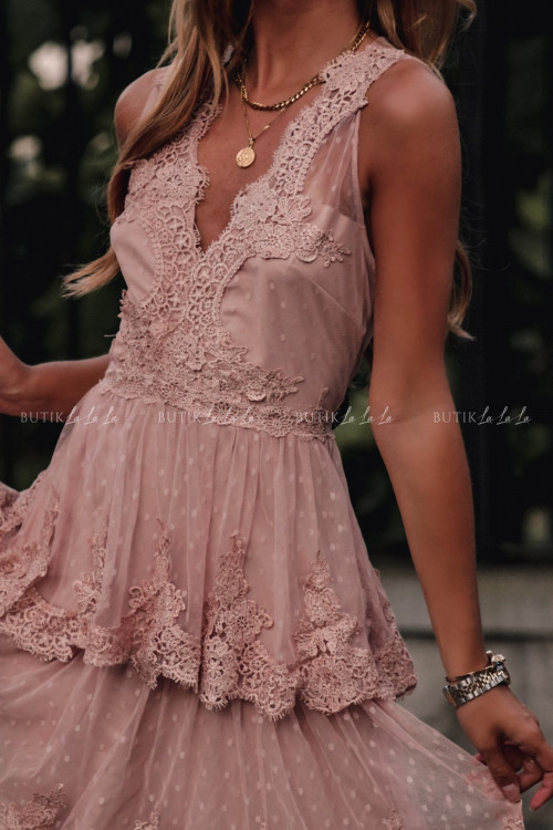 Sukienka w kropki z falbankami i koronką pudrowa Jowita 5