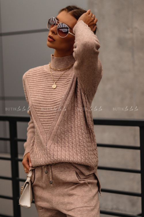komplet sweterowy beżowy Riko