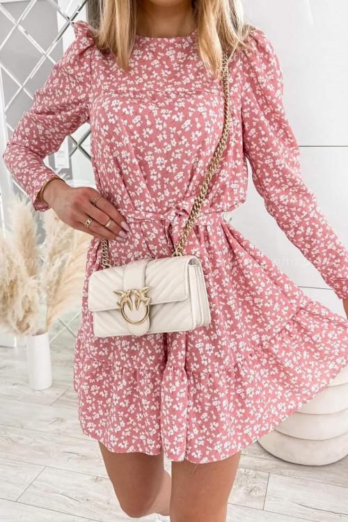 Sukienka w kwiaty pudrowa z falbanką i paskiem Moledo