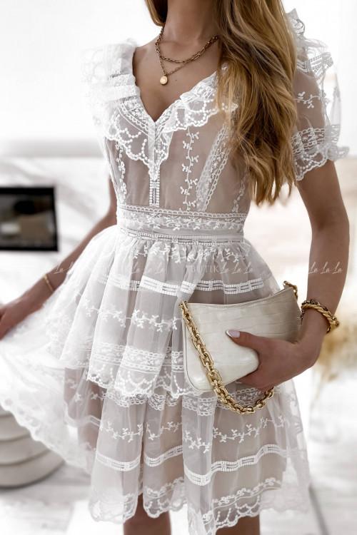 sukienka biało beżowa koronkowa Maroco
