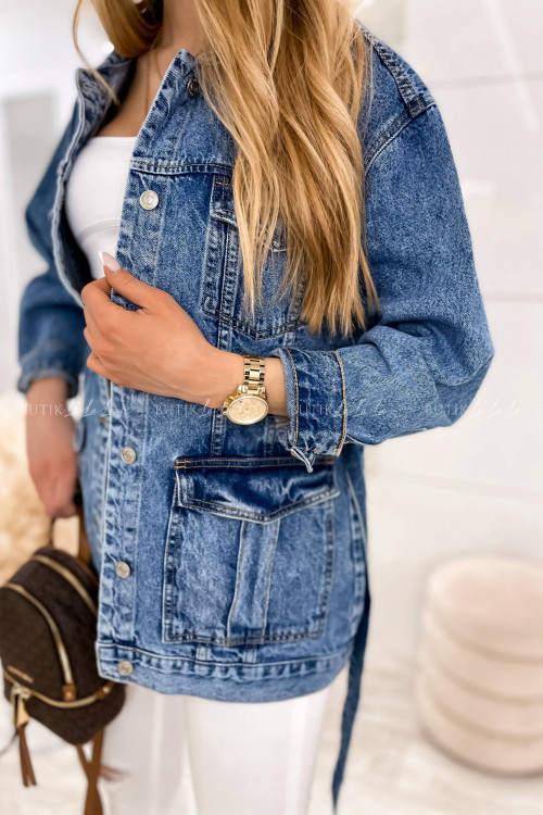 Kurtka jeans blue z kieszeniami i paskiem Jonita