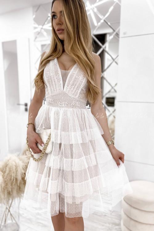 sukienka beżowo biała koronkowa Elle