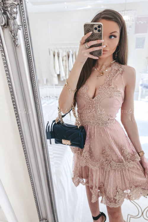 Sukienka w kropki z falbankami i koronką pudrowa Jowita 1